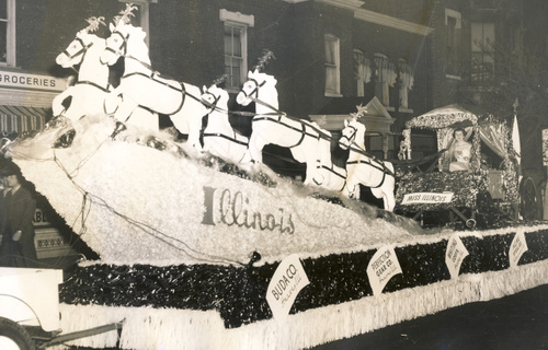 1953 Illinois State Society float